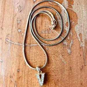 💎 5 for 10$ V Necklace